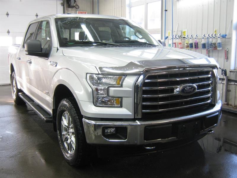 2017 Ford F-150 AWD Supercrew 145 Cabine double