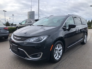 2018 Chrysler Pacifica Touring-L Plus Mini-van Passenger