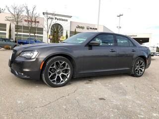 2018 Chrysler 300 300S.Sport,Like new !