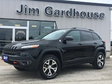 2017 Jeep Cherokee Trailhawk 4x4, Leather, Sunroof SUV