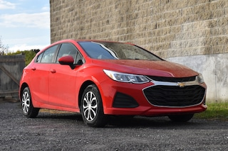 2019 Chevrolet Cruze LS | Apple Carplay & Android Auto | ON-Star Ready Hatchback