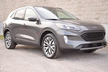 2020 Ford Escape Titanium | Leather | Dual Climate | Heated Wheel | VUS
