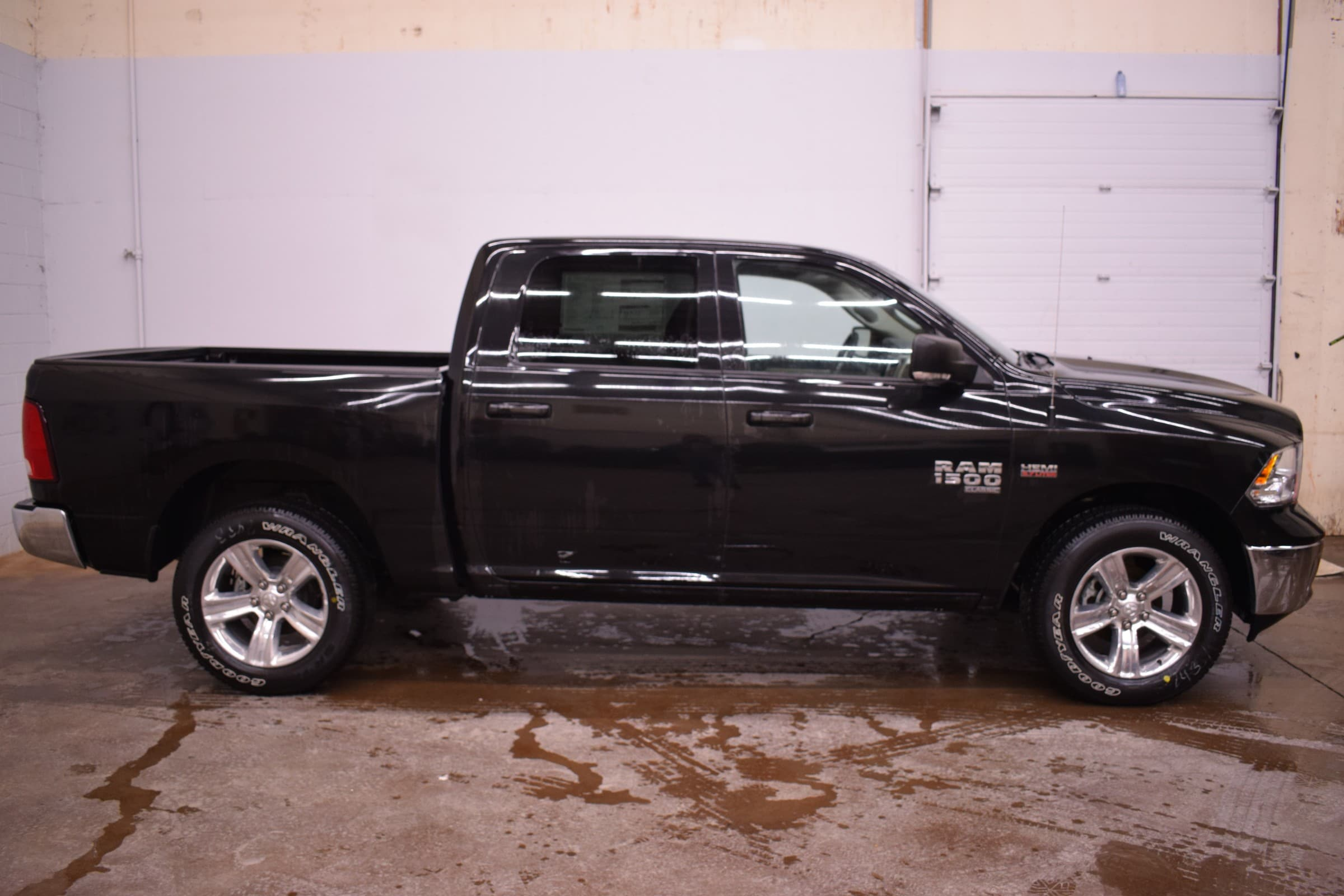 2019 Ram 1500 Classic SLT Truck Crew Cab DYNAMIC_PREF_LABEL_INVENTORY_FEATURED_USED_INVENTORY_FEATURED1_ALTATTRIBUTEAFTER