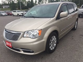2015 Chrysler Town & Country Touring - Backup Cam - Power Doors/Liftgate Minivan