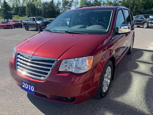 2010 Chrysler Town & Country Touring - Dual DVD - Sunroof - Htd Lthr - Nav Minivan