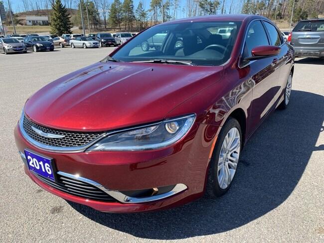 2016 Chrysler 200 Limited - Nav - Heated Seats Sedan