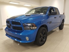 2019 Ram 1500 Classic Express Hydro Blue Camion cabine Crew