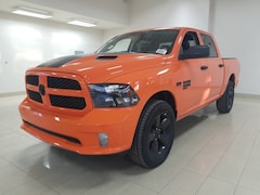 2019 Ram 1500 Classic Express Ignition Orange Camion cabine Crew