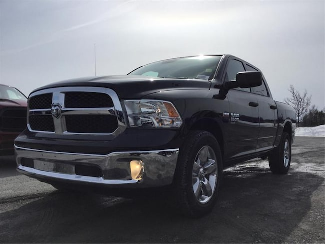 2019 Ram 1500 Classic ST - Cloth Front 40/20/20 Bench Truck Crew Cab