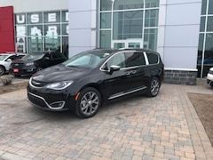 2019 Chrysler Pacifica Limited - Nappa Leather-Faced FRT Vented Van