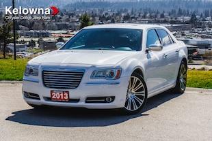 2013 Chrysler 300C Limited, Nav, Pano Sunroof, HEMI Berline