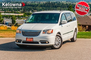 2015 Chrysler Town & Country Touring, Leather, Power Sliding Doors, Power Liftgate Van