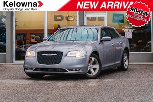 2015 Chrysler 300 Touring, Leather, Sunroof, 8.4