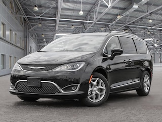 New 2019 Chrysler Pacifica Touring-L 2WD - $316.09 B/W Van K19172 in Kelowna, BC