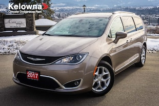 2017 Chrysler Pacifica Touring-L, DVD, Pano-Sunroof, Leather, Camera, Rem Van
