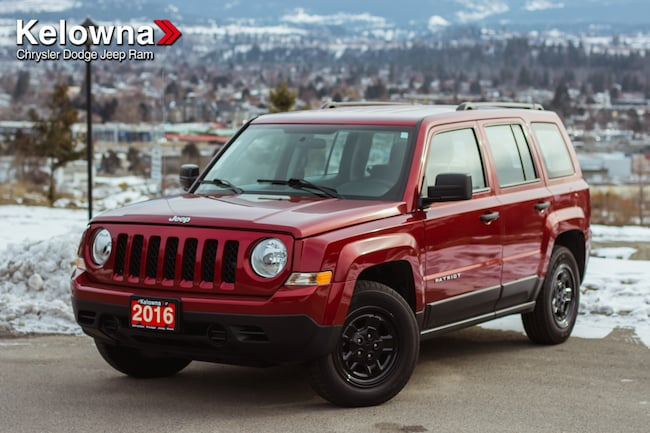 2016 Jeep Patriot Sport/North SUV *** Roof Rack, LOW KMS, Very Clean SUV