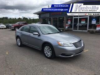 2014 Chrysler 200 LX LOW KM - Extra Clean - Easy Finance Sedan