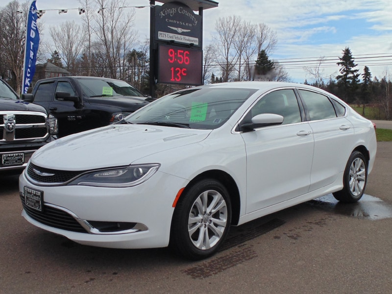 Attractive Pre Owned 2015 Chrysler 200