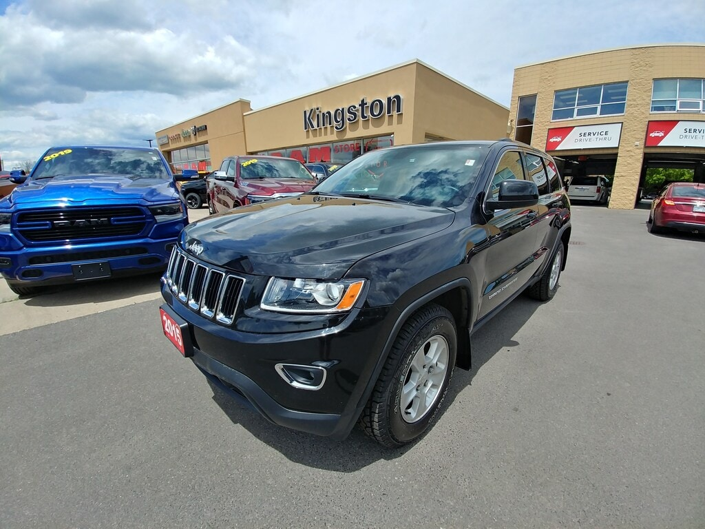 2015 Jeep Grand Cherokee Laredo 4WD - Comes With Additional Winter Tires! SUV