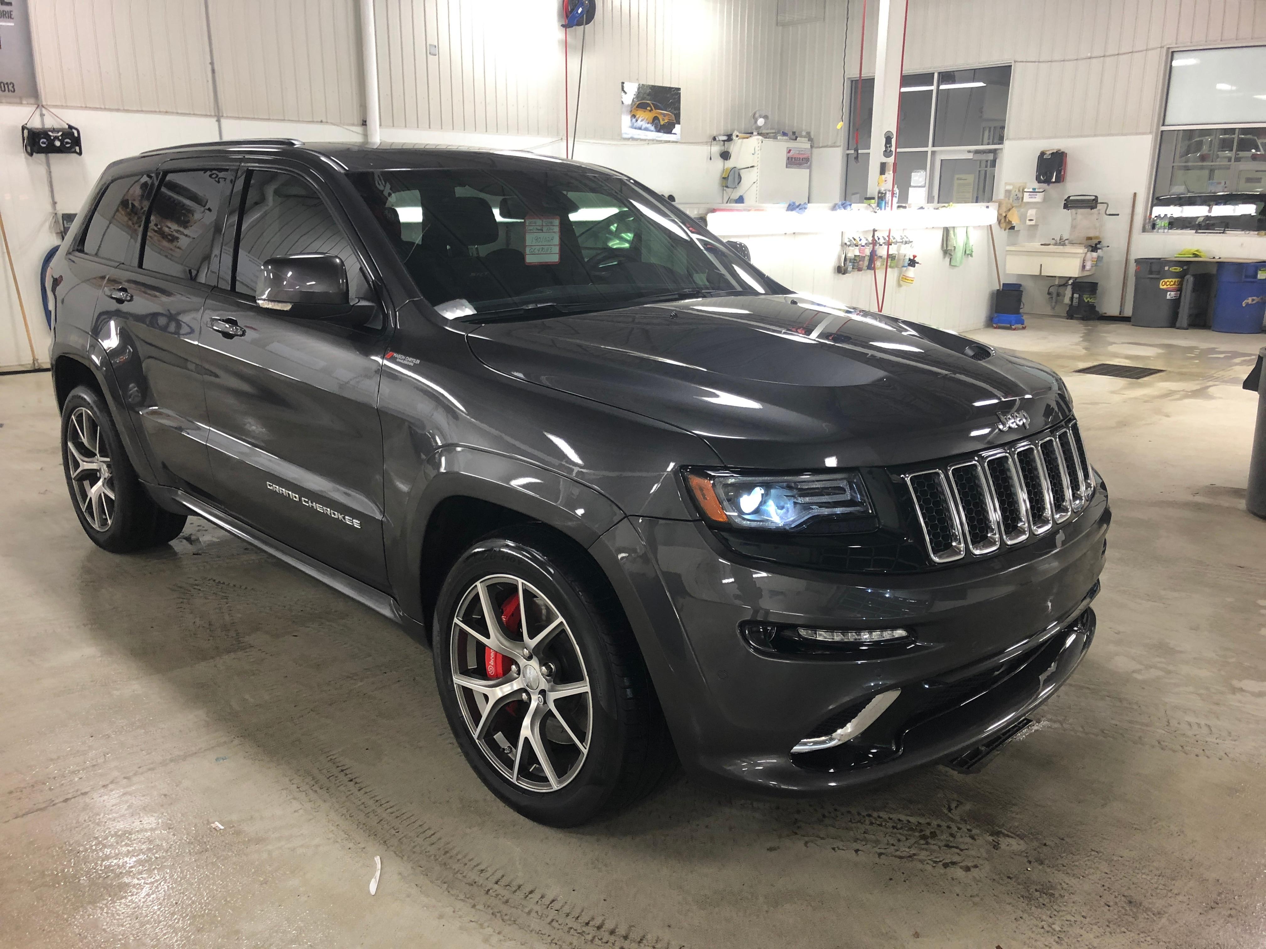 2016 Jeep Grand Cherokee SRT8**BAS KM**SIEGES CUIR ET SUEDE**WOW**6.4 L** VUS