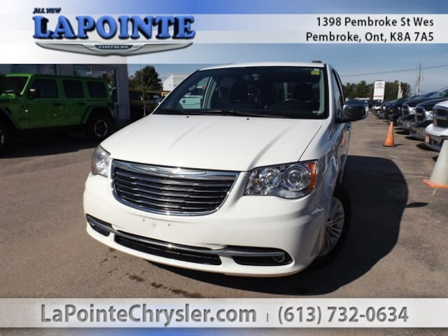 2013 Chrysler Town & Country Limited Mini-Van
