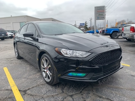 2017 Ford Fusion SE|BLUETOOTH|NAVIGATION|BACKUP SENSORS|LEATHER SEATS AND STEERING|POWER FRONT SEATS|KEYLESS ENTRY|REAR PARKING CAMERA Avant for sale in Leamington, ON Black