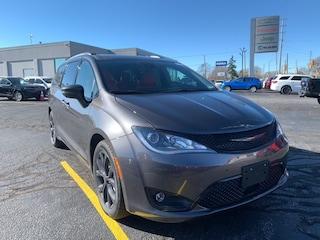 2020 Chrysler Pacifica Limited Van for sale in Leamington, ON Granite Crystal Metallic