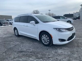 2019 Chrysler Pacifica TOURING LEATHER|NAVIGATION|HEATED SEATS|ONE OWNER| Van