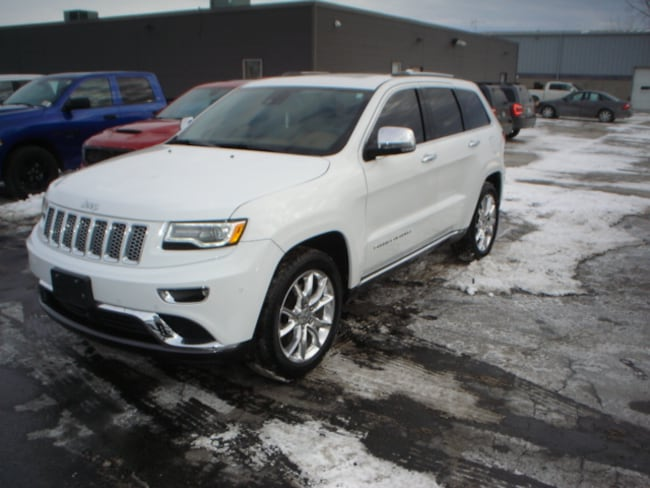 2016 Jeep Grand Cherokee Summit V8 SUV