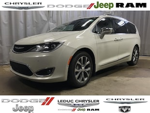 2017 Chrysler Pacifica Limited Van Passenger Van