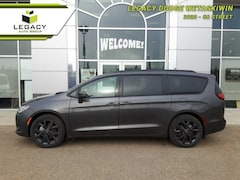 2019 Chrysler Pacifica Limited -  3 Pane Sunroof SUV