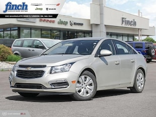 2015 Chevrolet Cruze 1LT - Bluetooth -  Siriusxm - $114 B/W Sedan 1G1PC5SB6F7228787