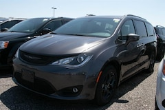 New 2020 Chrysler Pacifica Touring Van London ON
