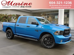 2021 Ram 1500 Classic Night Edition 4x4 Crew Cab 5.6 ft. box 140 in. WB 3C6RR7KT8MG526835
