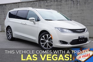 2017 Chrysler Pacifica Limited with All Options Minivan