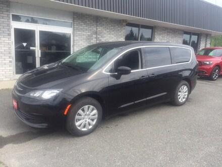 2017 Chrysler Pacifica LX Minivan