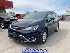2020 Chrysler Pacifica Touring POWER DRIVER SEAT AND STEERING WHEEL POWER Van
