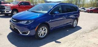 2020 Chrysler Pacifica Touring Van