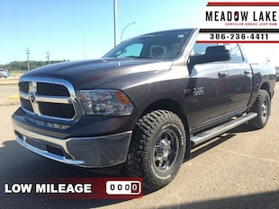 2017 Ram 1500 ST - Hemi V8 - Luxury Group - Heated Seats - $250 Crew Cab