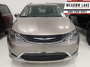 2018 Chrysler Pacifica Hybrid Touring-L - Keysense - $283 B/W Van
