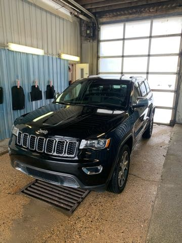 Featured used 2020 Jeep Grand Cherokee Limited SUV for sale in Melfort, SK