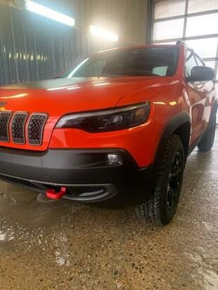 2021 Jeep Cherokee Trailhawk 4x4 Sport Utility 1C4PJMBX6MD136127