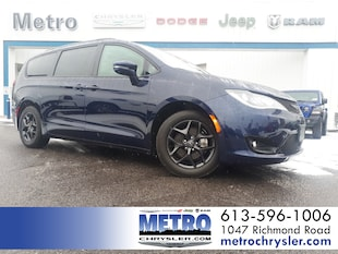 2019 Chrysler Pacifica Limited S - Low KMs Loaded Van Passenger Van