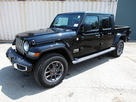 2020 Jeep Gladiator Overland 4x4 Crew Cab 5 ft. box for sale in Midland, ON