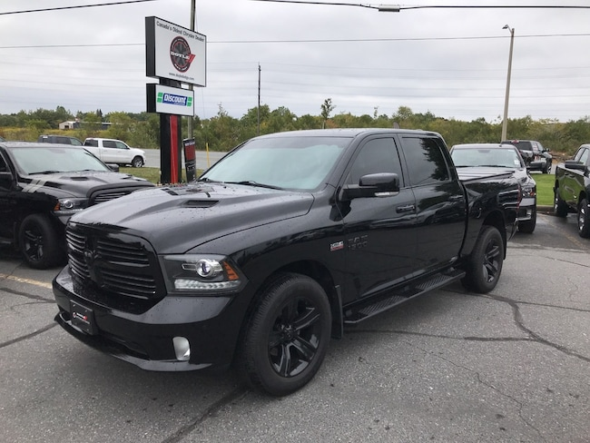 2014 Ram 1500 Crew CAB Sport 4WD 1-Owner Trade-IN!! Crew Cab