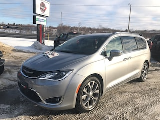 2018 Chrysler Pacifica 3.6L Limited StowNGO