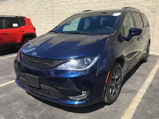 2019 Chrysler Pacifica Touring-L Van 698368