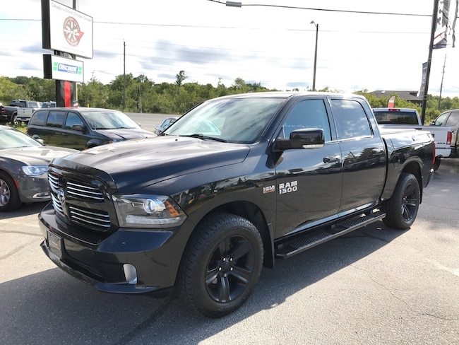 2016 Ram 1500 Crew CAB Sport 4WD W/Rambox 1-Owner Trade-IN!! Crew Cab