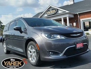2017 Chrysler Pacifica Limited, NAV, Uconnect Theatre, Pano Roof, Advance Mini-Fourgonnette
