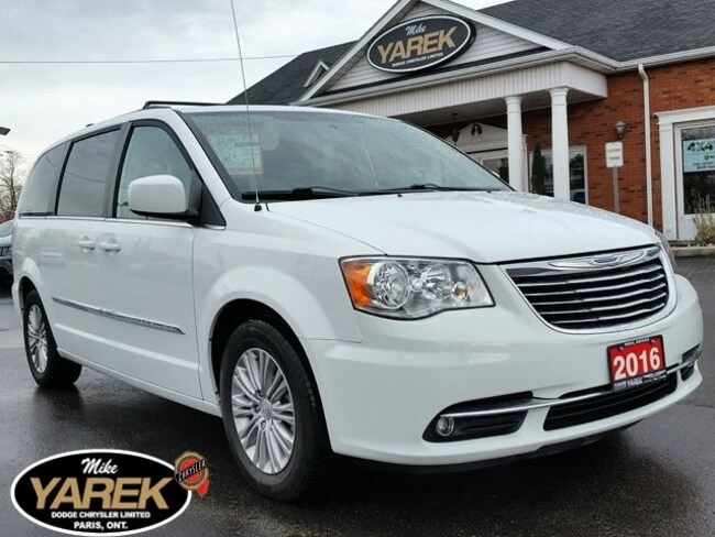 2016 Chrysler Town & Country Touring, Leather Heated Seats, Pwr Doors/Gate, Rem Minivan